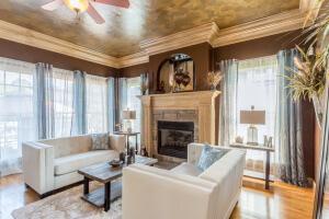 9913 San Remo Living Room