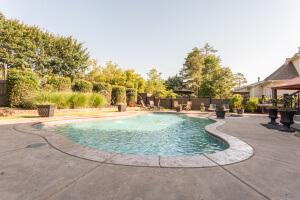 9913 San Remo Pool